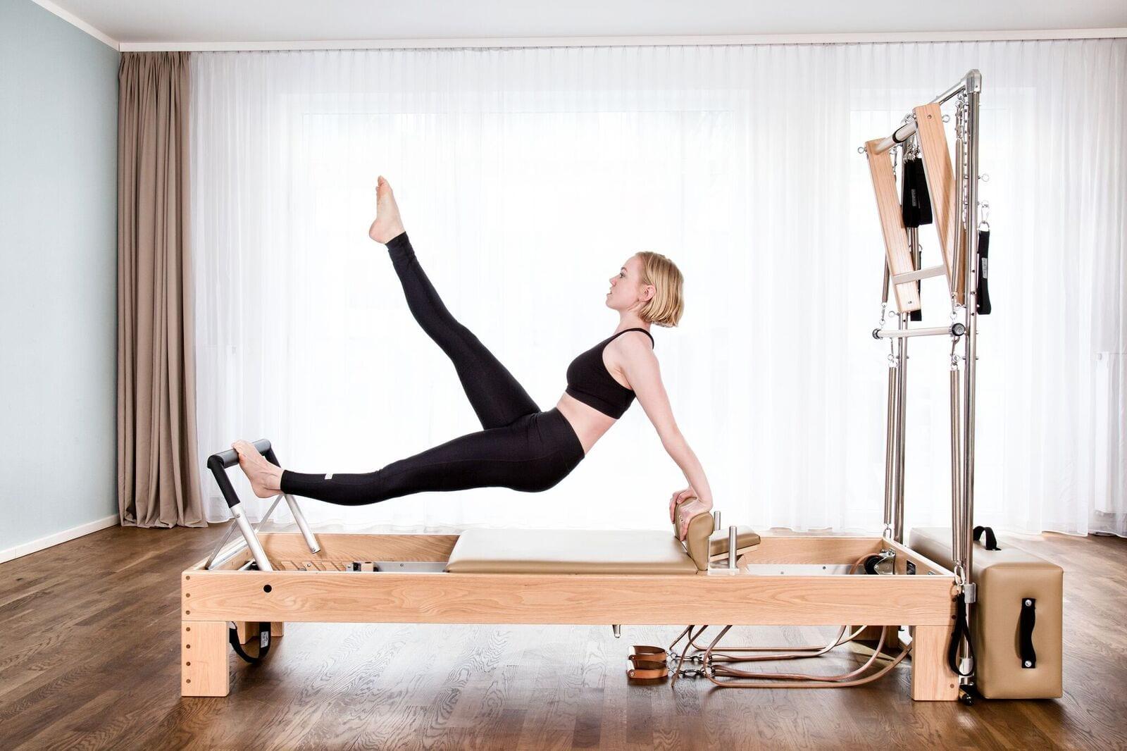 München Pilates - der Schlüssel zum Erfolg mit effektivem Sport Training & Balance controll mit Gina Mathis
