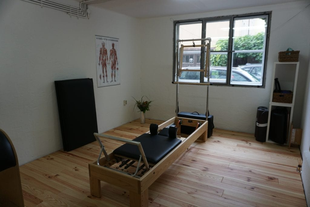 Reformer mit Tower - Gina Mathis Pilates Training und Studio in München